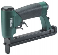 Metabo Agrafeuse � air comprim� DKG 80/16